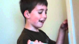 Kid sees mom naked