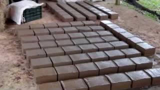 getlinkyoutube.com-ADOBE BRICK, ADOBE BLOCK, EARTHBAG: Two (2) Methods of making Adobe Bricks