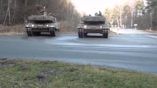 getlinkyoutube.com-2 Panzer parken genau vor mir ein  !.