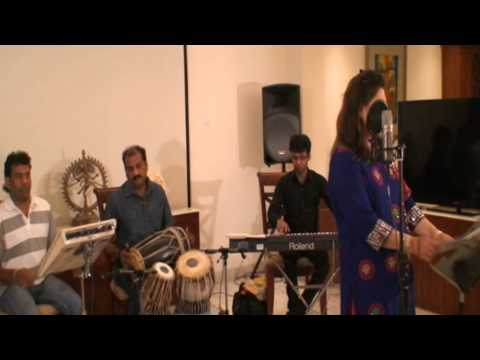 Live Performance of Song: Wada Raha Pyaar Se Pyaar Ka sung by Aruna Jaiswal