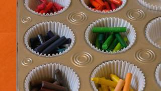 getlinkyoutube.com-How to make Muffin Crayons