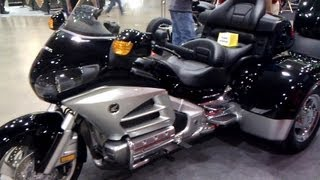 getlinkyoutube.com-2013 Honda Gold Wing Trikes vs  2013 Harley Davidson trike