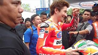 getlinkyoutube.com-Nicky Hayden Rides Ducati in Jakarta City