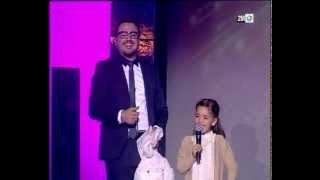 getlinkyoutube.com-رشيد يستقبل الطفلة هاجر التي اشتهرت عبر الأنترنت بجملة الأرنبات وداكشي