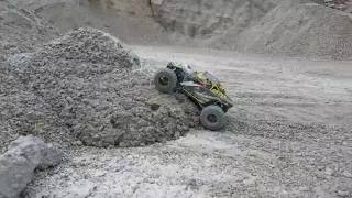 getlinkyoutube.com-Axial Yeti XL bashing/crawling
