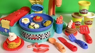 getlinkyoutube.com-Play Doh Flip 'n Serve Breakfast Waffles Pancakes Bacon Smoothies Play Dough Cocina para Desayuno