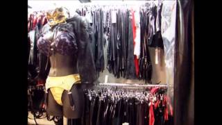getlinkyoutube.com-Boutique Hautnah Berlin - Korsetts, Lack, Leder, Latex & Mehr