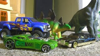 getlinkyoutube.com-Hot Wheels Dinosaurs and Monster Trucks!  TOY CARS Action!!!