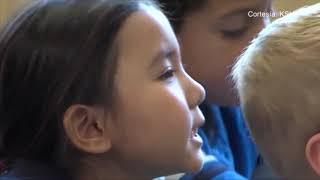 Estudiantes de una escuela en Blue Valley participan en un programa de inmersión en chino