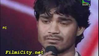 getlinkyoutube.com-Sonu Nigam gets emotional from Visal Srivastav singing.mp4