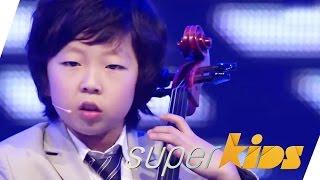 "getlinkyoutube.com-Amazing kids orchestra plays ""Smooth Criminal"" and ""Bad"" by Michael Jackson | Joyous String Quartet"