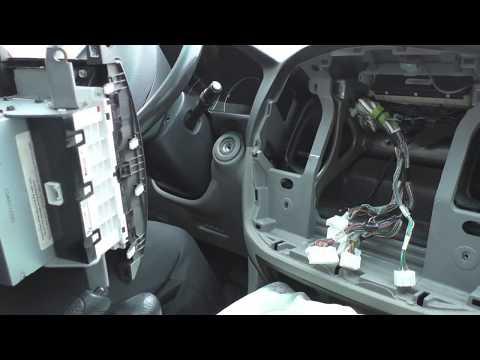 Где в Chrysler Crossfire находится предохранитель обогрева лобового стекла