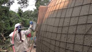 getlinkyoutube.com-Monolithic Dome Construction with a Stucco Sprayer | Hildebrand Construction in Haiti