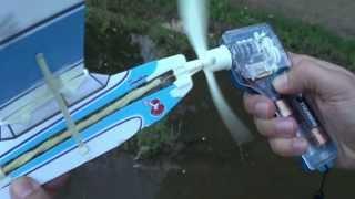 getlinkyoutube.com-Самолёт на резиномоторе.The plane on a rubber engine