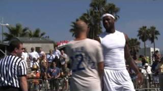 getlinkyoutube.com-NBA Star LeBron James gets beat by David Kalb- Horse in Venice, Cali.