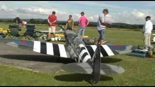 getlinkyoutube.com-Worlds largest flying model Spitfire