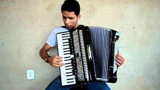 Thiago Oliveira do Acordeon Tocando As Inesqueçiveis