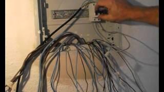 getlinkyoutube.com-Cómo comprobar y separar circuitos eléctricos en un cuadro con neutros comunes, (5/6)