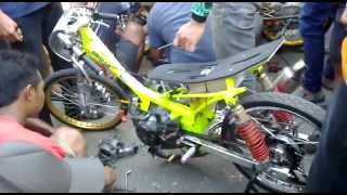 getlinkyoutube.com-Dragbike Cilacap Scrut jupiter 200cc juara