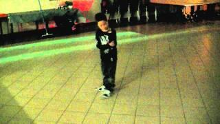 getlinkyoutube.com-soane 6 ans - danse vers 6h du mat'