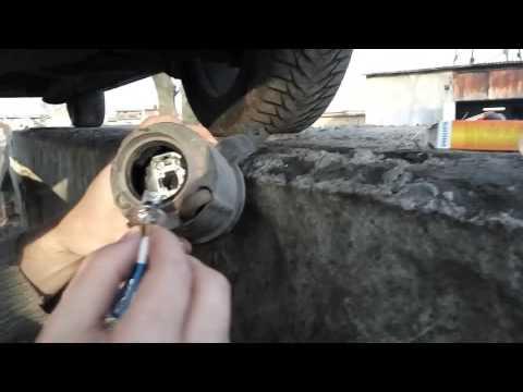 Замена лампы ПТФ Geely MK Cross