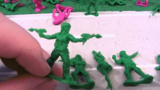 getlinkyoutube.com-MONSTERS vs ARMY MEN TOY REVIEW!