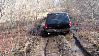getlinkyoutube.com-Ford expedition off road mudding
