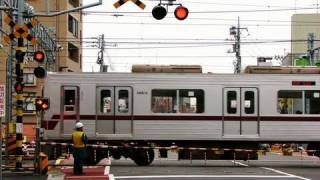 getlinkyoutube.com-北千住の踏切- Kita Senju railway crossing