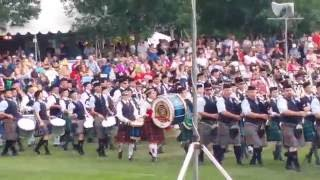 getlinkyoutube.com-Maxville - Glengarry Highland Games Massed Band Entrance 2015