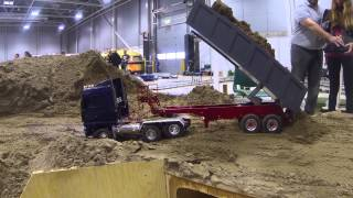 getlinkyoutube.com-Oslo Motorshow 2014 - Working the sand pile
