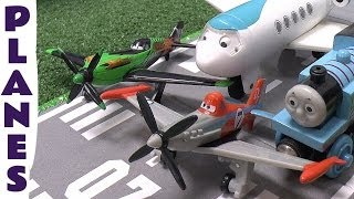getlinkyoutube.com-Disney Planes Dusty Ripslinger Thomas & Friends Jeremy Airport Kids Thomas The Tank Toy Train Set