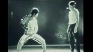 getlinkyoutube.com-Bruce Lee: Be like water (Inspirational)