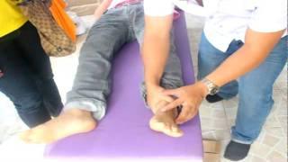 getlinkyoutube.com-จัดกระดูกเท้า โดย อ.หนุ่ม