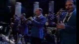 getlinkyoutube.com-Glenn Miller Orchestra - Moonlight Serenade