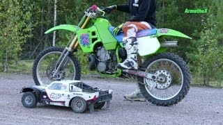 getlinkyoutube.com-2-Stroke Battle KX500cc vs RC CAR 1/5 Scale 30,5cc