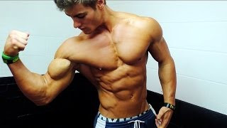 getlinkyoutube.com-Crazy Ripped Teenager Flexing Abs and Muscles ft. Jeff Seid