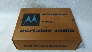 getlinkyoutube.com-1957 Motorola 6X32E transistor radio unboxing (made in USA, or course)