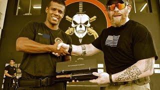 getlinkyoutube.com-Um dos melhores atiradores do mundo treinando o BOPE do Rio.