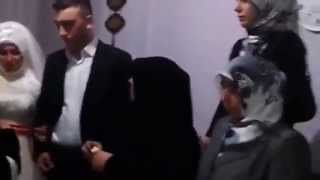 getlinkyoutube.com-مؤثرة جدا وحزين دموع عروس تركية لحظة خروجها من بيت اهلها