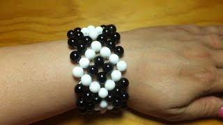 getlinkyoutube.com-Pulsera brazalete con bolas blancas y negras.
