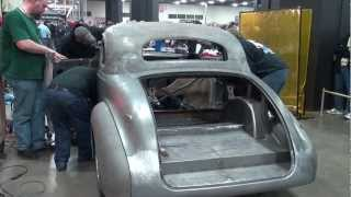 getlinkyoutube.com-Gene Winfield chops hot rod in Autorama basement_2013