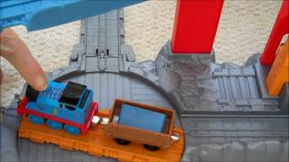 getlinkyoutube.com-The Great Quarry Climb Thomas & Friends Kids Toy Take N Play Blue Mountain Train Set