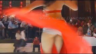 getlinkyoutube.com-الراقصة شاكيرا فطين الفاتنة ببدلة رقص مفتوحة جدا و كل شوية الملابس الداخلية...