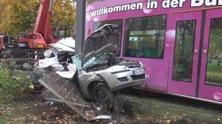 getlinkyoutube.com-Tödlicher Straßenbahnunfall durch Einsatzfahrt in Bonn-Auerberg am 30.10.15 + O-Ton