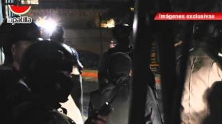 getlinkyoutube.com-VIDEO EXCLUSIVO Tiroteo al momento en que se retiraban comisiones policiales - Cementerio