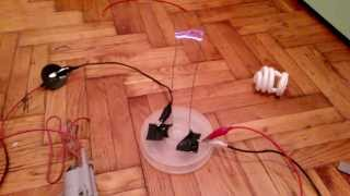 getlinkyoutube.com-3-4 cm arcs by a cfl driven flyback transformer