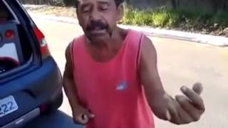 Bêbado cantando rock