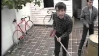 getlinkyoutube.com-Los prisioneros-sexo [video oficial]