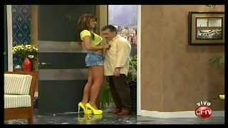 getlinkyoutube.com-Teatro en Chilevisión: La mujer perfecta Acto 2, Dinamita Show - 04/08/2012