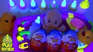 getlinkyoutube.com-Glow in the dark Clay Slime Kinder Joy Surprise Eggs with Baby Dolls Bath